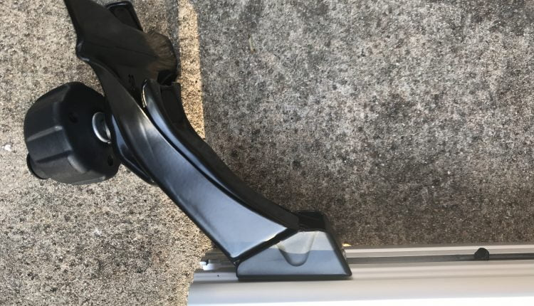 Thule Rapid Gutter Aeroblade install Jeep Roof Rack