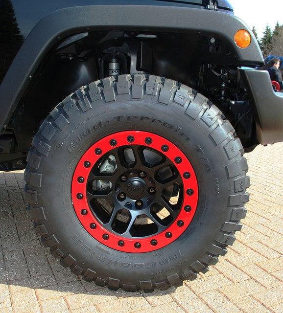 mud terrain beadlock tire jeep wrangler