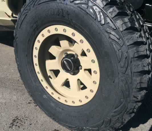 beadlock offroad rim and tire