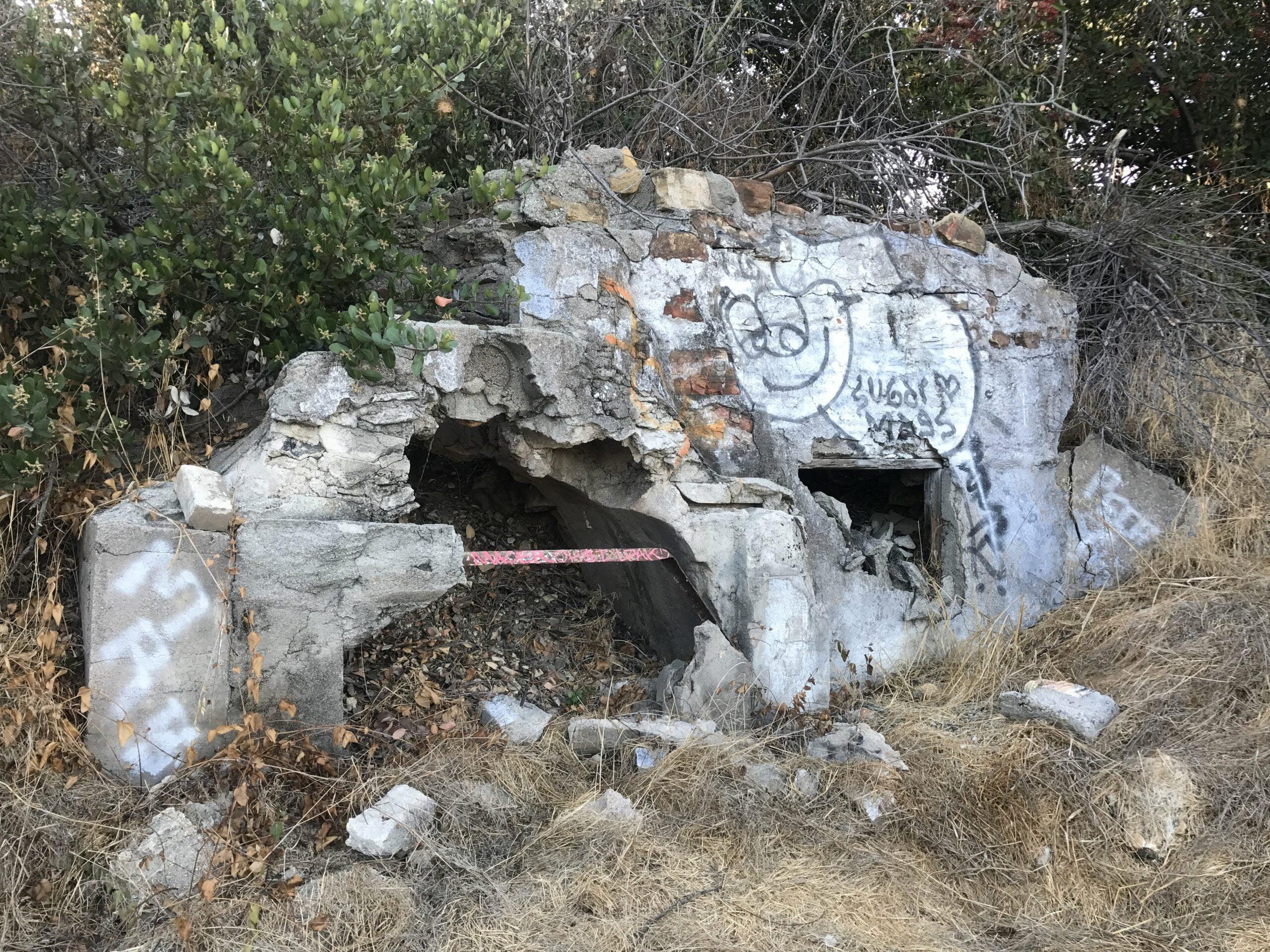 ernest e debs regional park graffiti