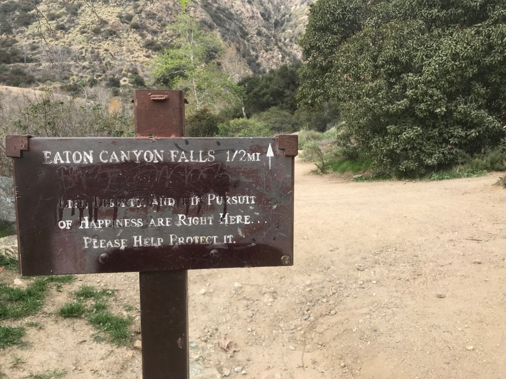 eaton canyon falls trail sign